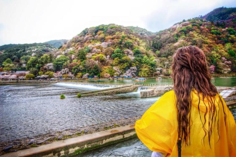 Un loc minunat, aproape de Kyoto, plin de ciresi, bambus si aer curat