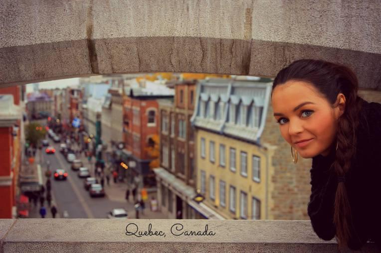 Pe zidurile cetatii Quebec, cu priveliste catre Upper City