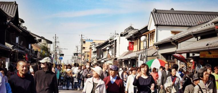 Strada principala din Kawagoe, Warehouse District, plina de case vechi de la 1600-1700 pe stanga si pe dreapta