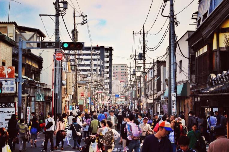 Strada principala din Kawagoe era complet pietonala, pentru festivalul primaverii