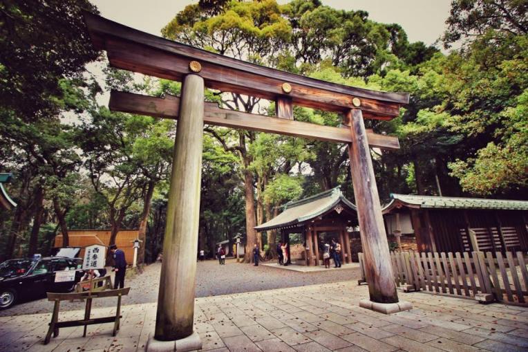 Prima poarta Tori vazuta in Tokyo