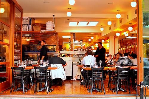 Sursa: http://gastronomyblog.com/2011/07/12/au-pied-de-cochon-montreal/