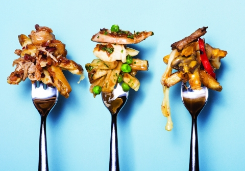 Sursa: http://www.avenuecalgary.com/Restaurants-Food/7-Poutines-to-Try-During-Calgarys-Poutine-Week/