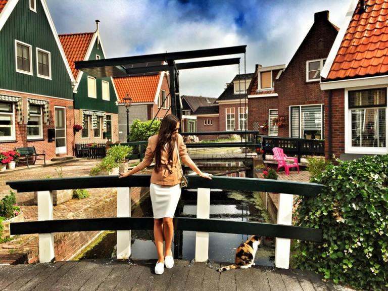 Volendam1