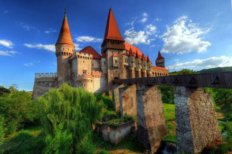 Castelul Corvinilor2