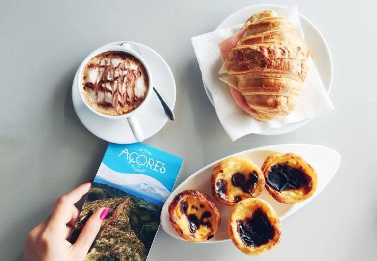 Pasteis de Nata A Colmeia Pastery Ponta Delgada Azores Sao Miguel