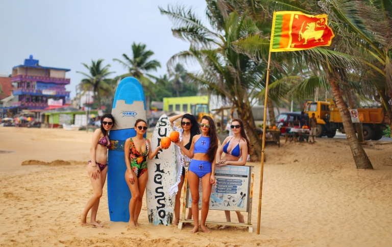 hikkaduwa-beach_sri-lanka_10