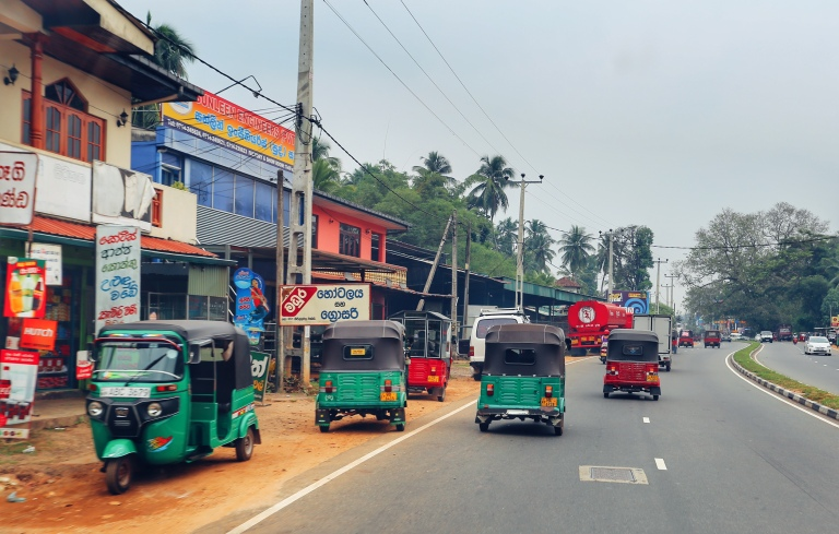sri-lanka_on-the-way-to-galle_7