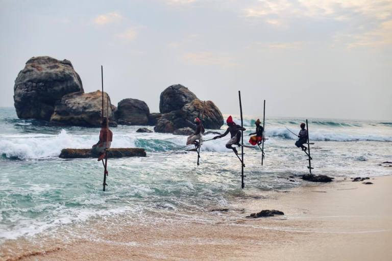 stilt-fishermen-sri-lanka_5