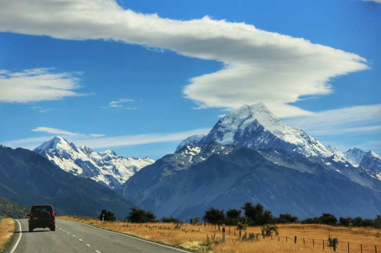 mount-cook_aoteaora_the-land-of-the-long-white-cloud