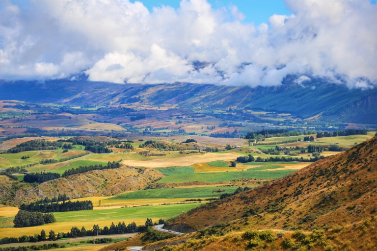 Road from Arrowtown to Queenstown_4