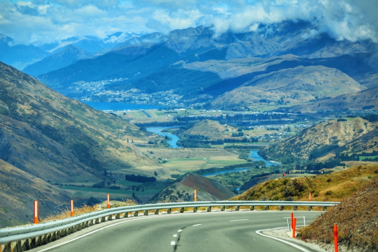 Road from Arrowtown to Queenstown_11