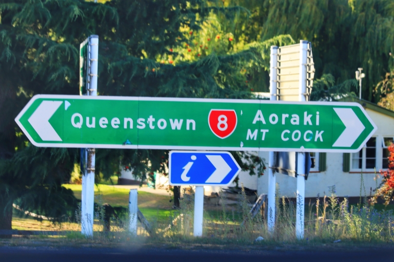 On the way to Mount Cook New Zealand_2