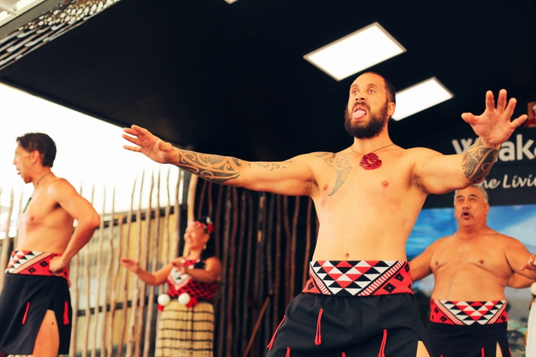 Haka_Whakarewarewa_The Living Maori Village_New Zealand_Rotorua_1