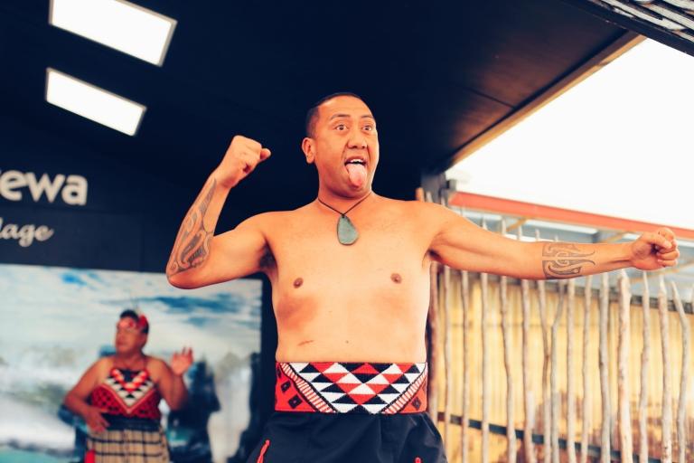 Haka_Whakarewarewa_The Living Maori Village_New Zealand_Rotorua_2