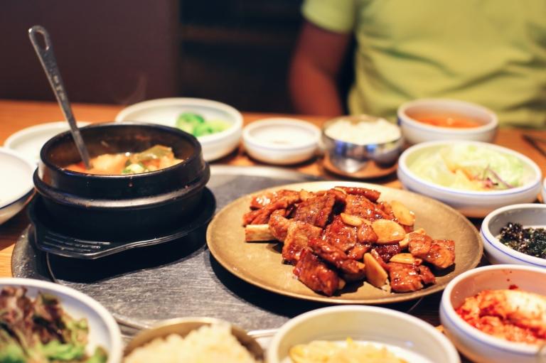 Restaurant vizavi de Gogung Myeong Dong Seoul South Korea_3