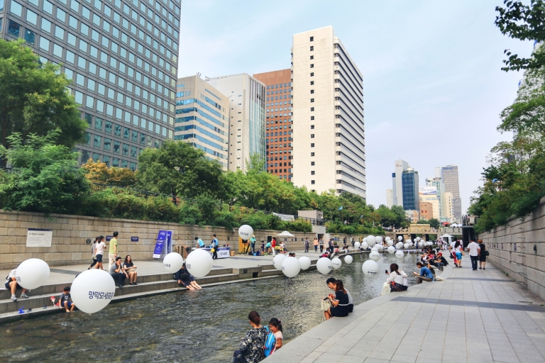 Cheonggyecheon Stream_Seoul_South Korea_2