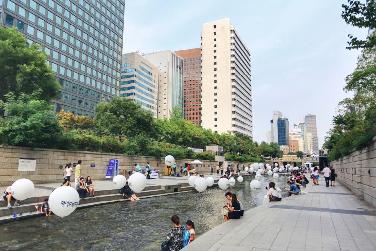 Cheonggyecheon Stream_Seoul_South Korea_2