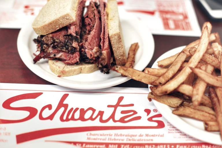 Schwartzs_Smoked Meat_Montreal_Canada