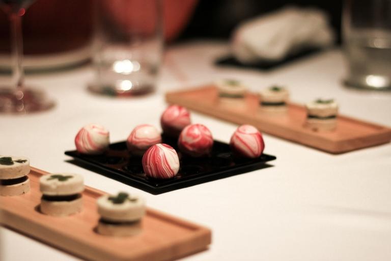 gaggan-chilli-bonbons