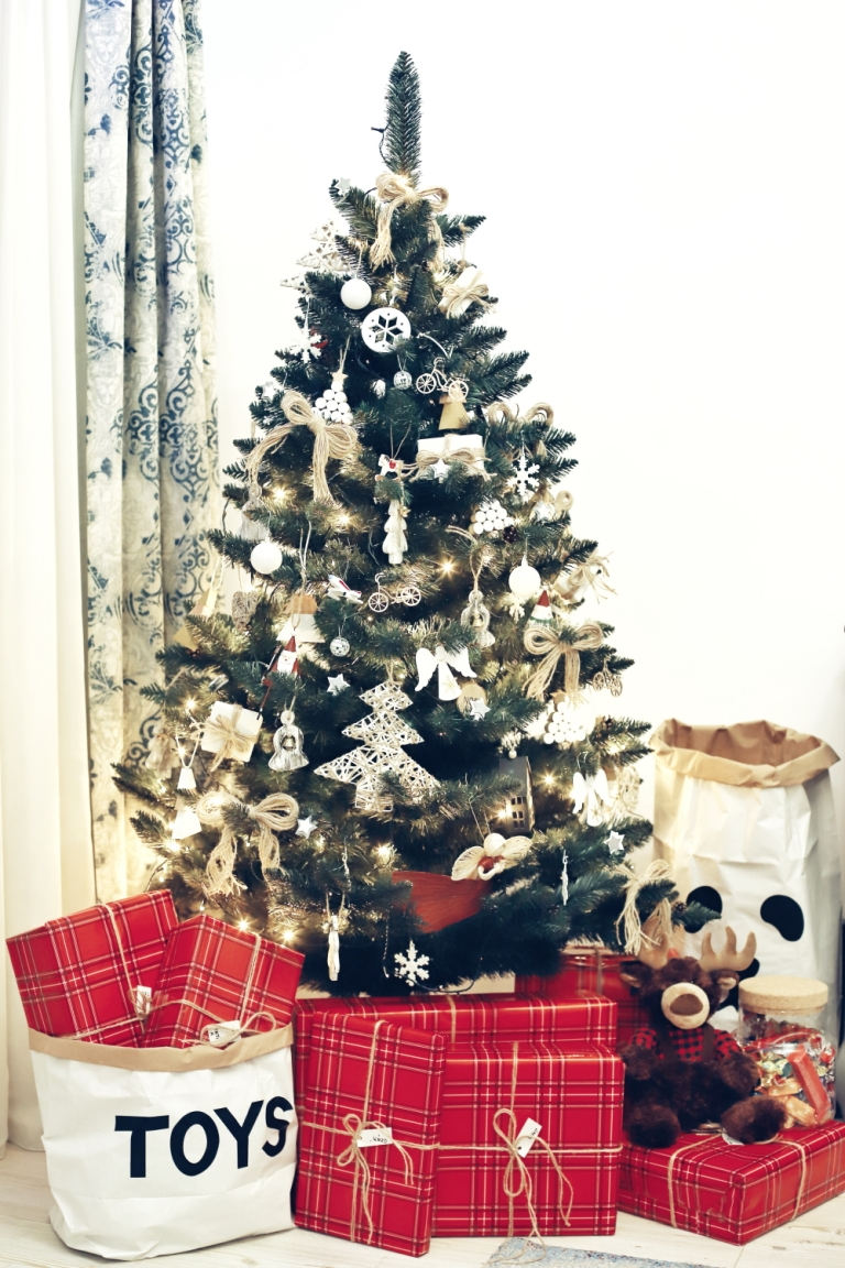 First Christmas in Three_8