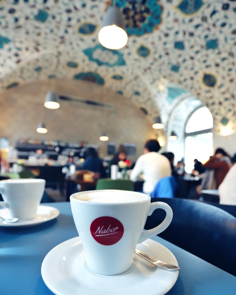 Austrian Airlines_Cafe Viena_12