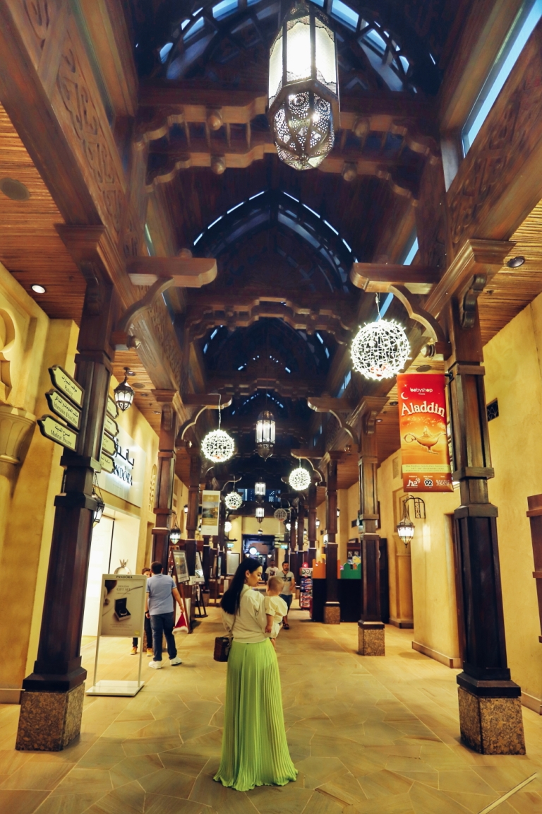 traditional souk in dubai