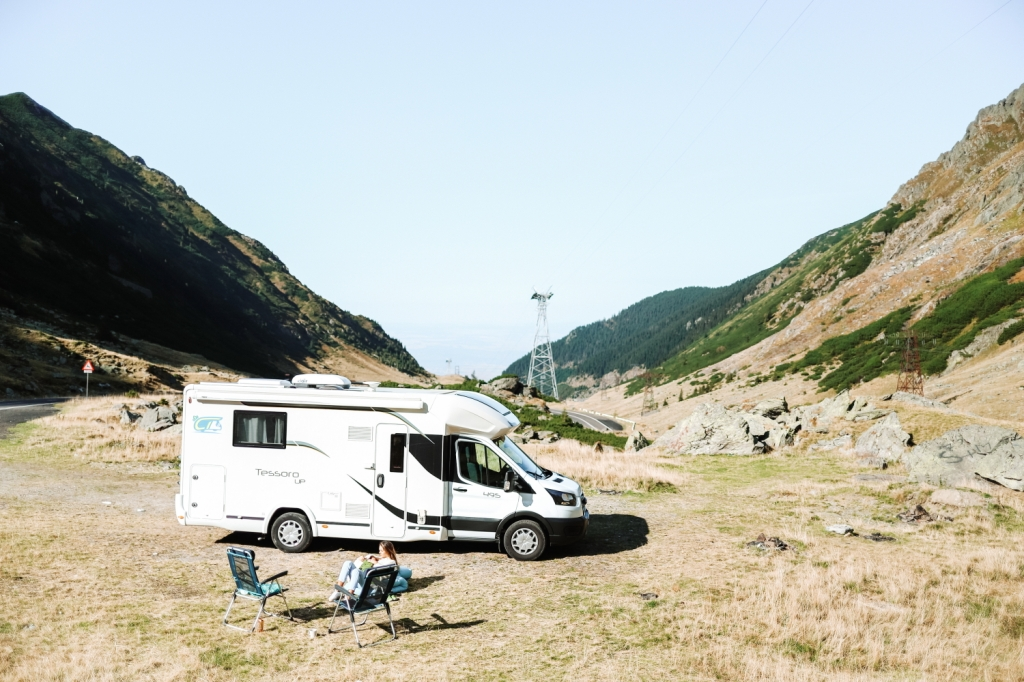 This image has an empty alt attribute; its file name is 3_camper-trip-in-romania.jpg