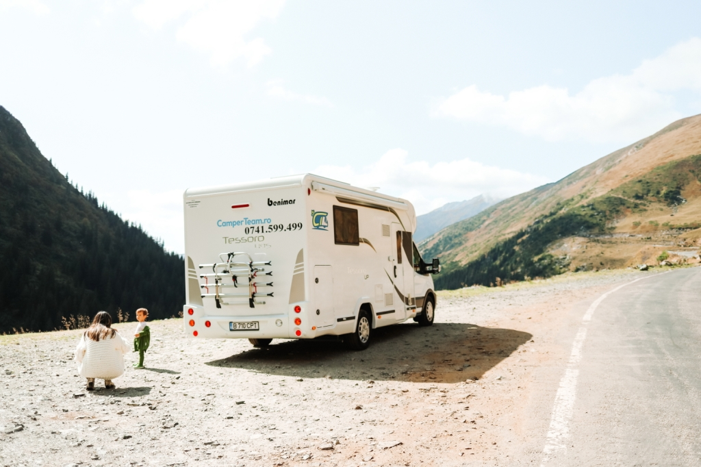 This image has an empty alt attribute; its file name is 4_camper-trip-in-romania.jpg