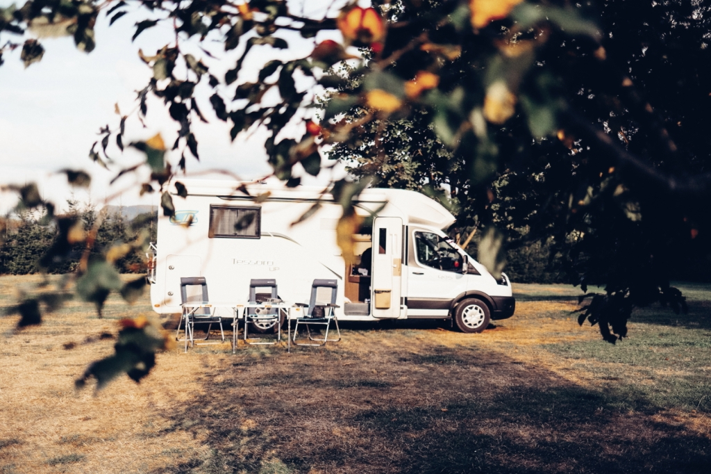 This image has an empty alt attribute; its file name is 50_camper-trip_90.jpg