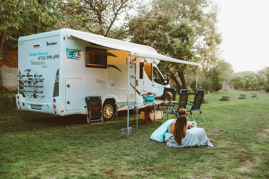 This image has an empty alt attribute; its file name is 51_camper-trip_112.jpg