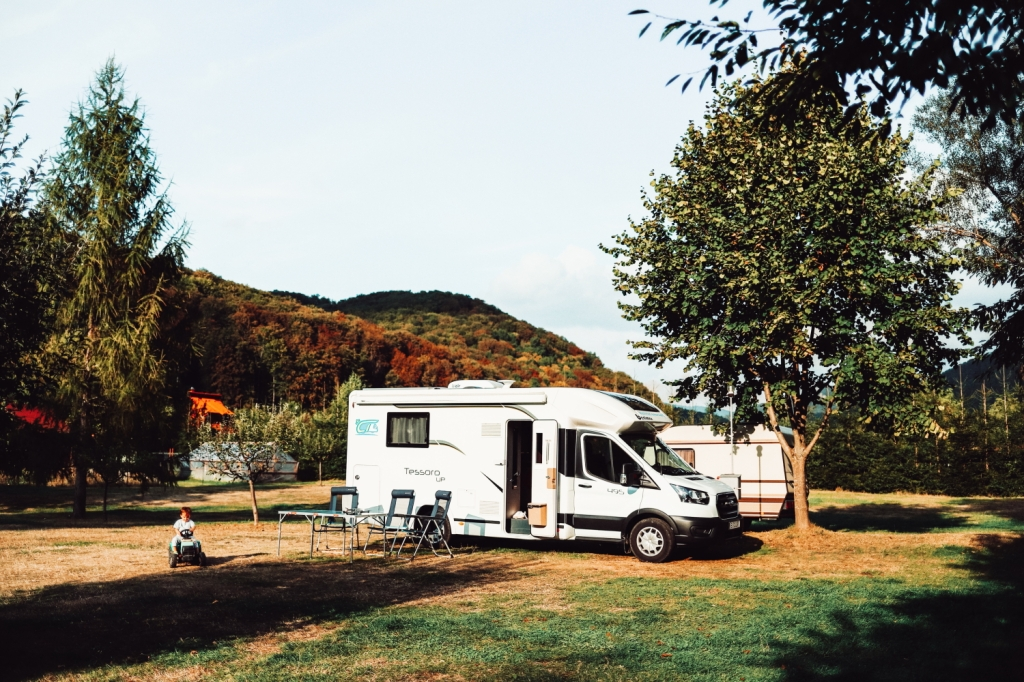 This image has an empty alt attribute; its file name is 53_camper-trip_105.jpg